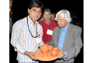 Mansukhbhai Prajapati receiving the National Award from the Honourable President of India - Dr. APJ Abdul Kalam